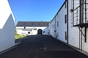 glengyle distillery entrance
