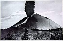 Izalco volcano 1919.jpg